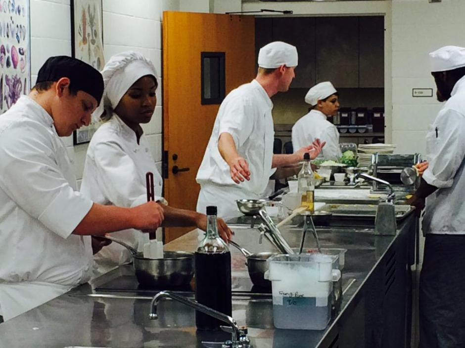Students of the culinary program at Valencia College in Orlando demonstrate their kitchen skills. (Source: Twitter/@GabrielleRusson)